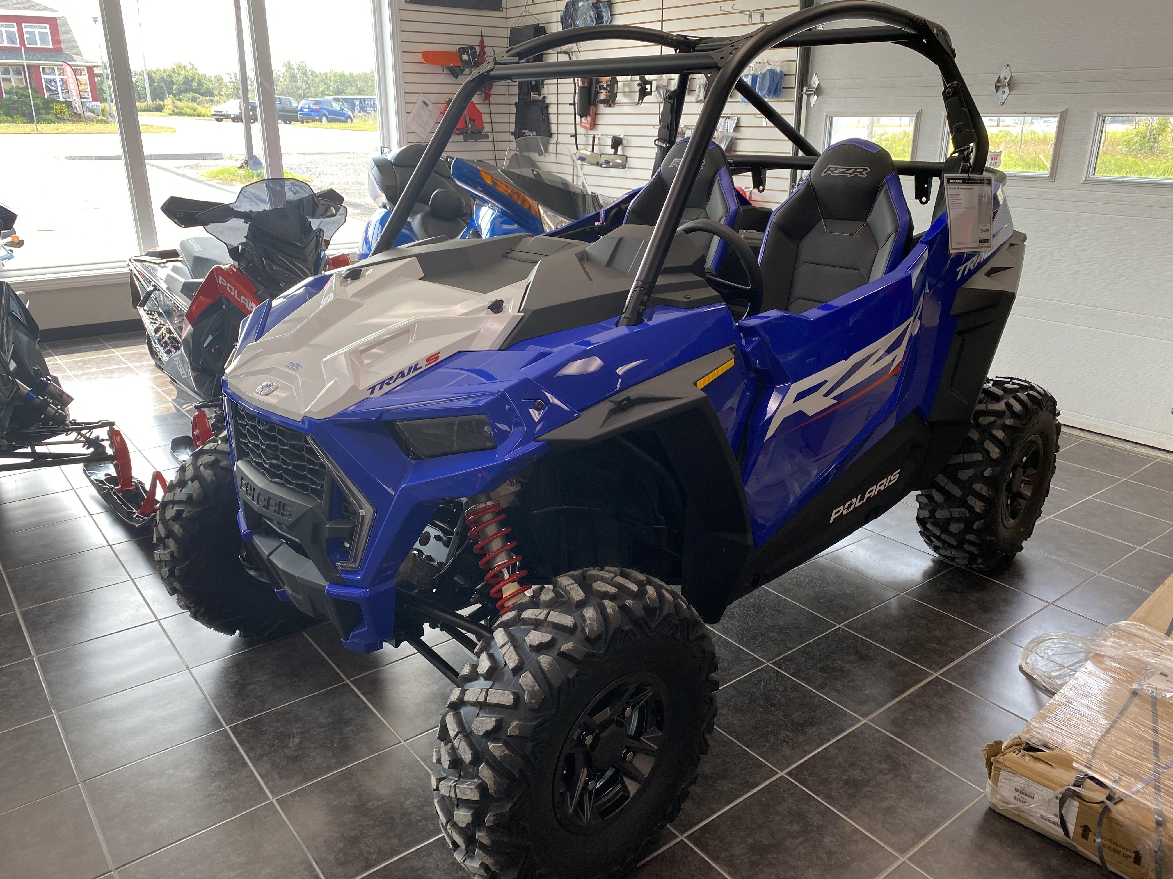 Boutique de la moto a Matane2022 POLARIS RZR TRAIL S 1000 PREMIUM - POLARIS BLUE